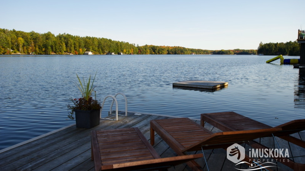 Superb views Newer dock to entertain and enjoy the views.
