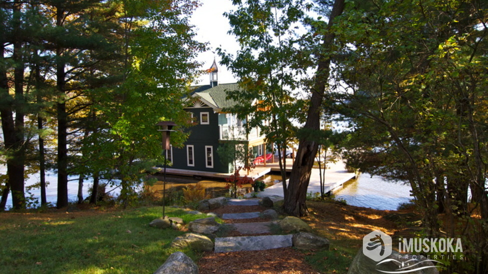 Stepf to the Boathouse Granite slab Muskoka steps.
