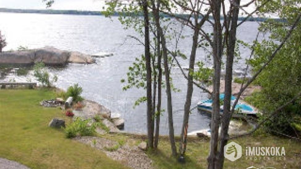 Wonderful shoreline Rock shoreline with shallow areas