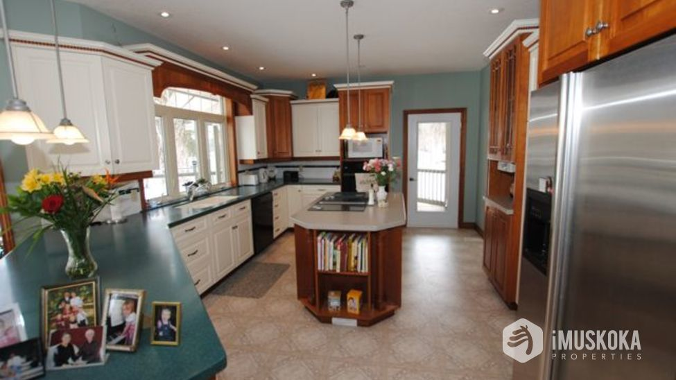 Kitchen kitchen with island. great size for entertaining